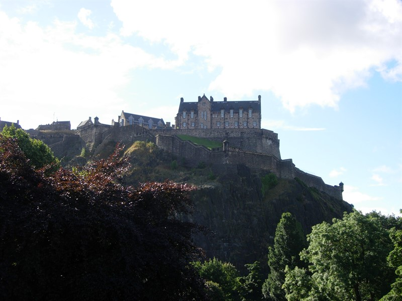 Edinburgh castle_800x600