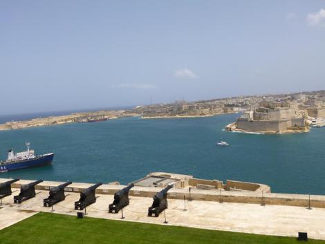 Malta 10 la-valletta-vista-sul-forte-di-s-elmo.jpg