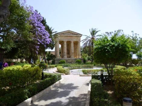 Malta 9 la-valletta-lower-baracca-gardens.jpg