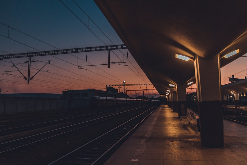 benches-on-train-station-1444108