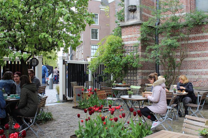 Koffieschenkerij Amsterdam.jpg