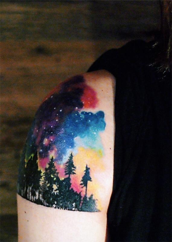 Tatuaggio aurora boreale