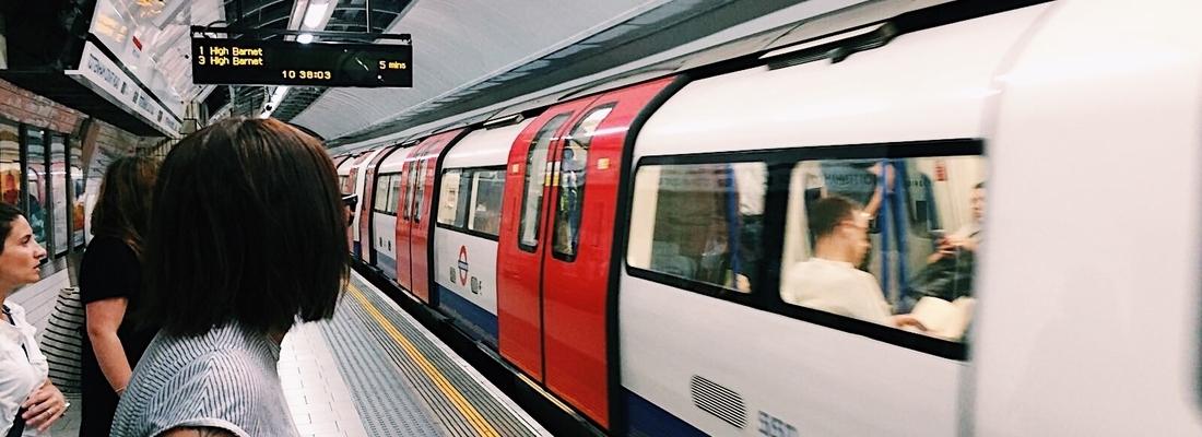 Silvia tube Londra
