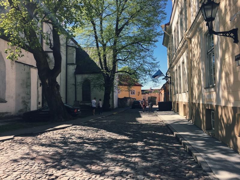 Toompea Tallinn houses.jpg