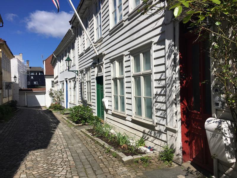 Bergen case legno.jpg
